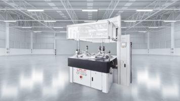 Die Maschine FLP 1200 der FLP Microfinishing GmbH