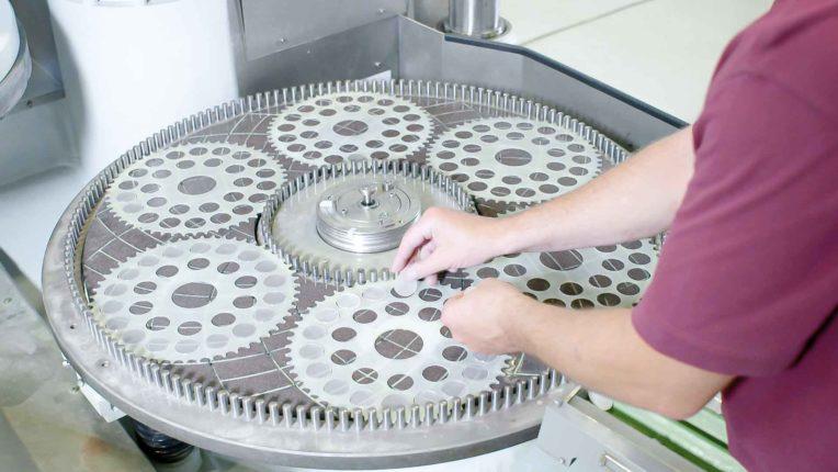 Lohnarbeit bei der FLP Microfinishing GmbH